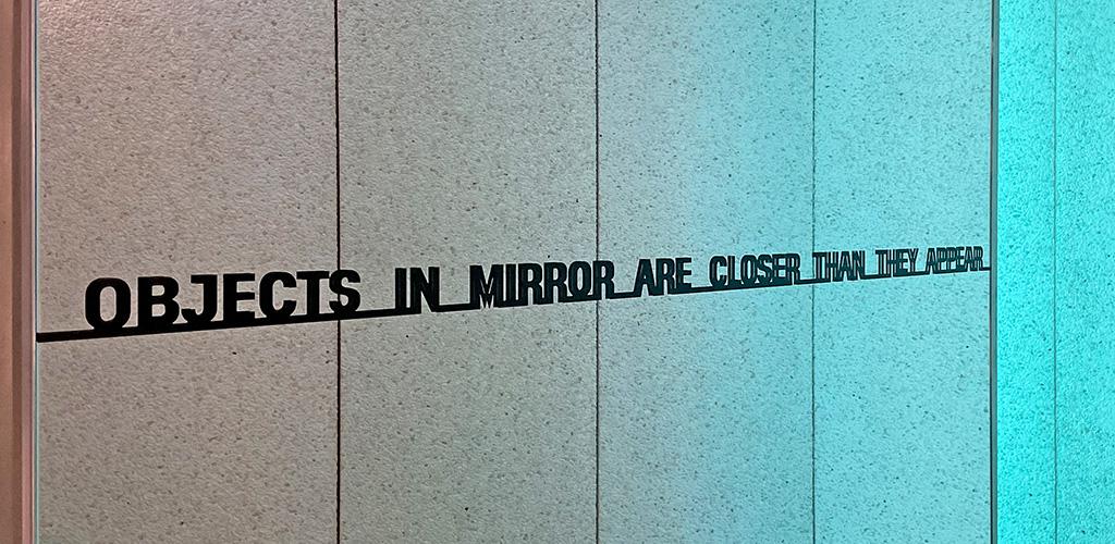 Sony_Signage_Mirror